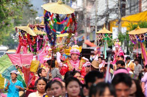 Backpacking rund um die jährlichen Festivals in Thailand