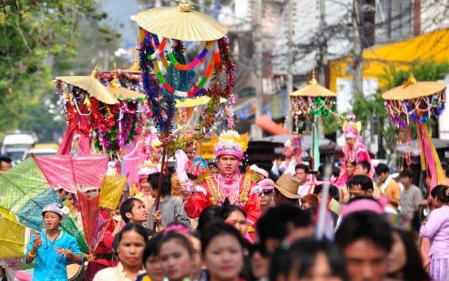 Backpacking in Thailand rund um die jährlichen Festivals