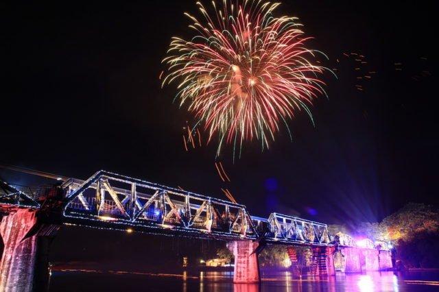 Das River Kwai Bridge Festival und die Kanchanaburi Region