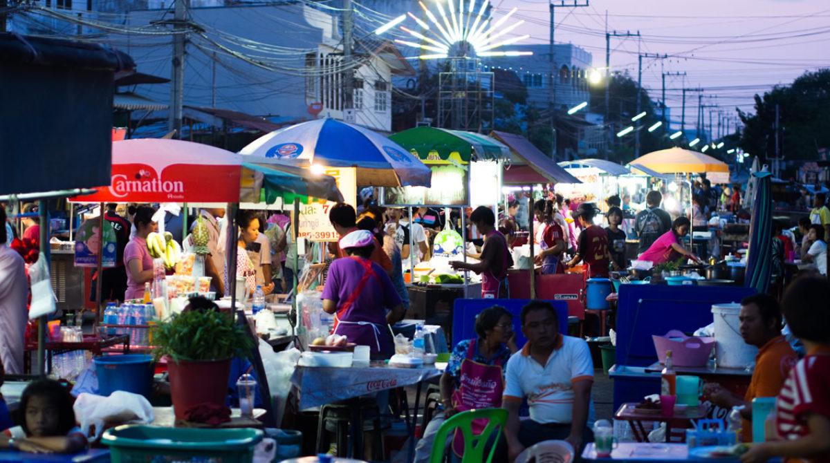 Bangkoks Streetfood darf bleiben