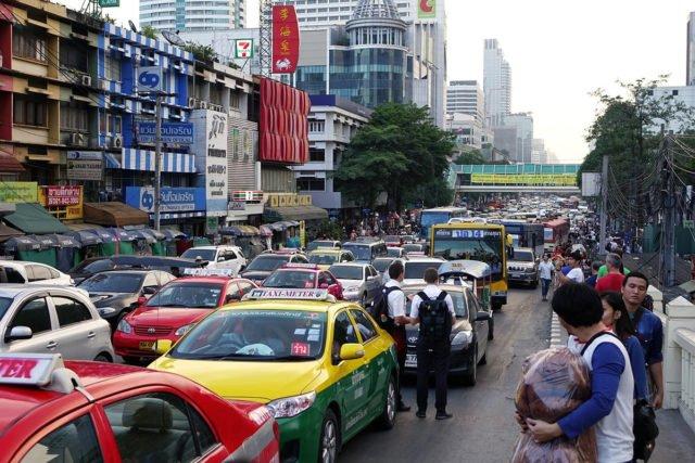 Bangkok plant Maut Straßenverkehr