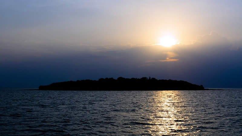 Insel für Flitterwochen und Hochzeiten