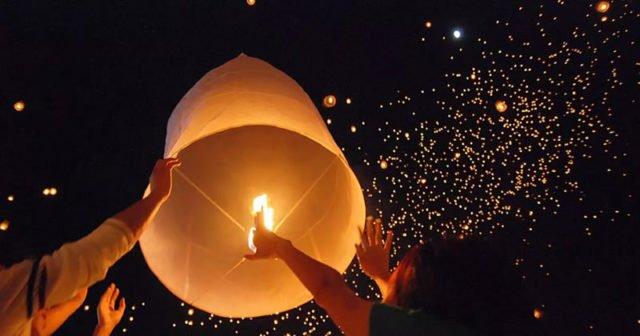 Loi Krathong Thailands Lichterfest im November