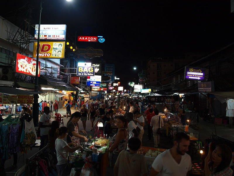 Khao San Road bei Nacht